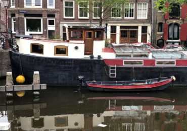 boat in Amsterdam neighbourhood
