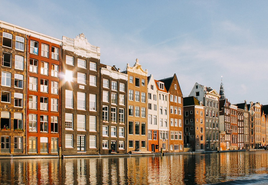 How Amsterdam constructed