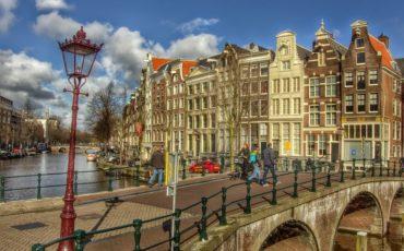 Wie heeft Amsterdam opgericht