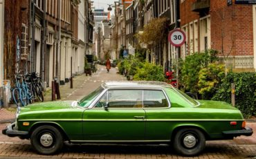Moving around Amsterdam by car