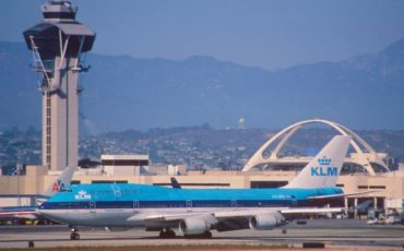 Which are the available airlines for LAX to Amsterdam?